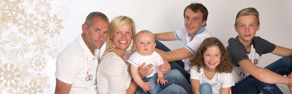 noel famille en portrait groupe
